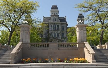 Syracuse University company